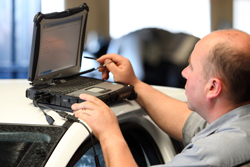 technicien diagnostic chez SVA Automobiles